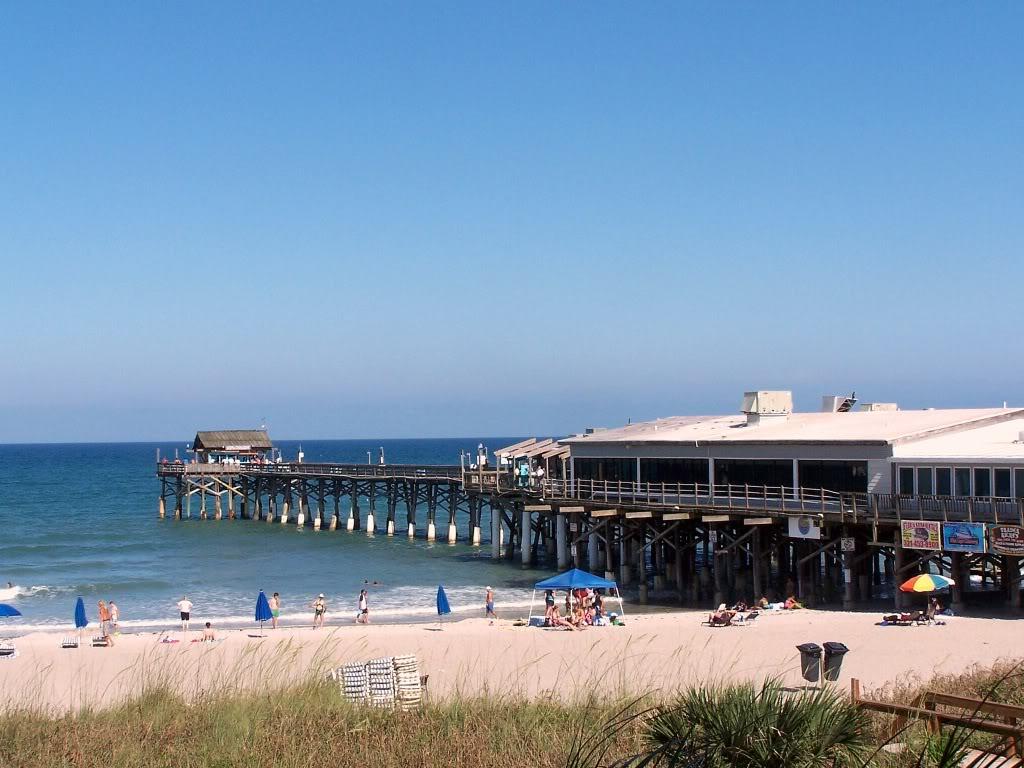 Summer is here hertz neverlost blog for Cocoa beach pier fishing